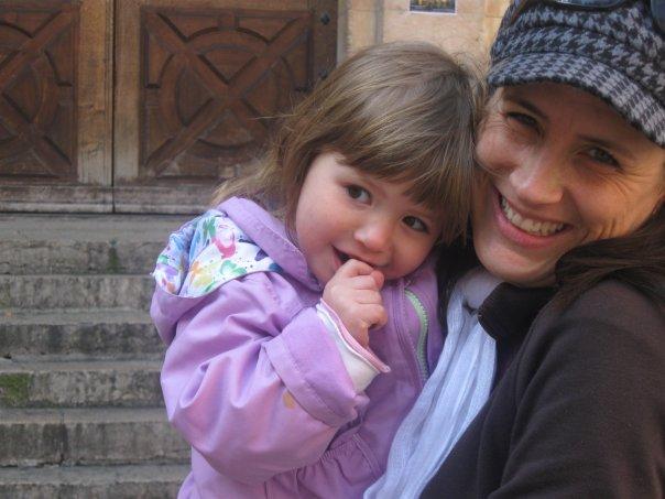 Isabelle Marjorie Tremblay et sa fille Sofia en France