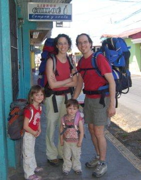 Stephanie Bolduc et sa famille au Costa Rica