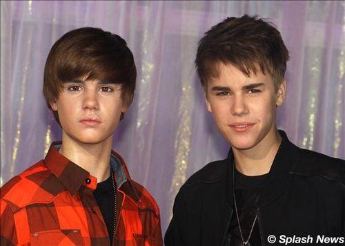 justin bieber wax museum new york. Justin Bieber and wax figure