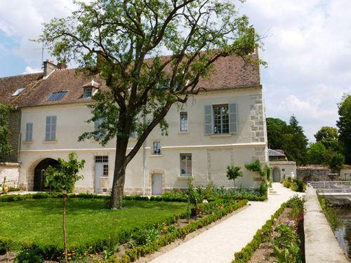 Maison-Jean-Cocteau-vue-des-jardins